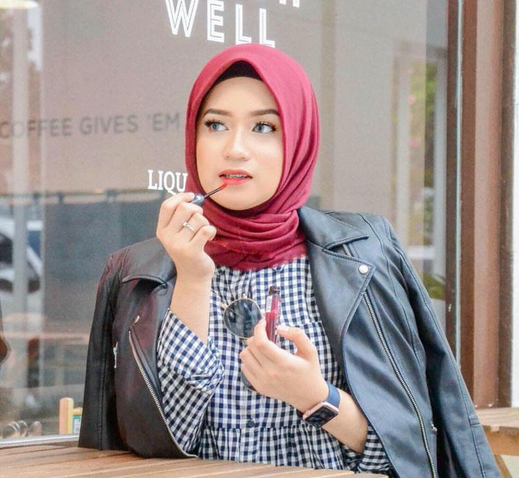 Youtuber dan Selegram Clara Haniyah Asal Medan